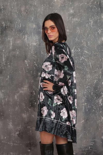 Свободна рокля от кадифе