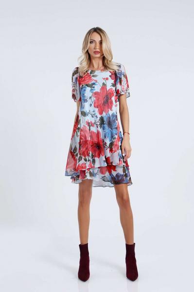 Шифонена рокля с ефектни ръкави