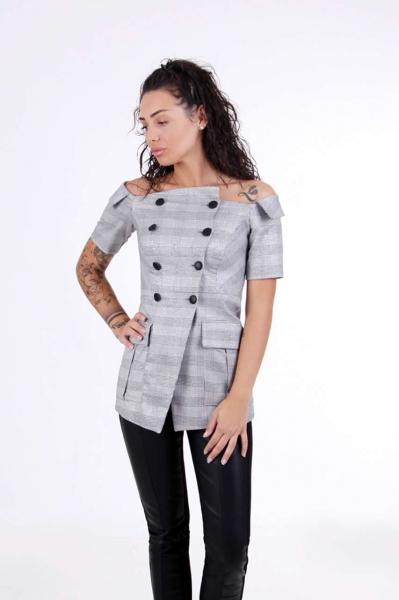 Блуза с двуредово закопчаване