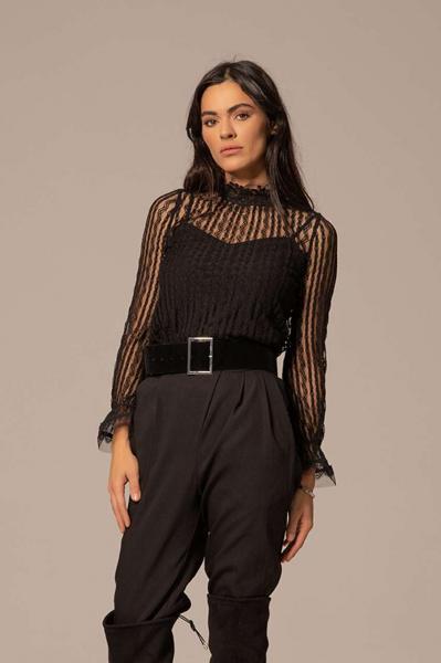 Прозрачна дантелена блуза