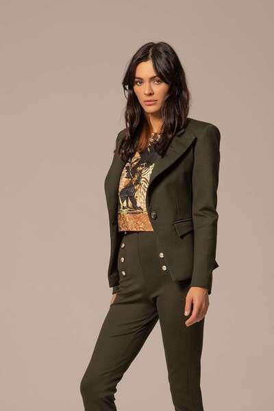 Вталено сако в зелен цвят