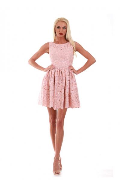 Дамска рокля от дантела
