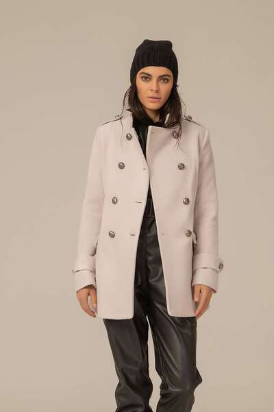 Палто с двуредно закопчаване