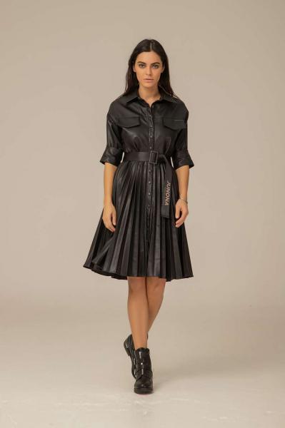 Плисирана рокля от кожа