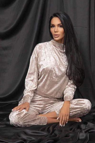 Блуза от кадифе