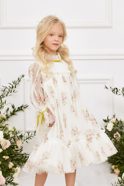 Бяла рокля с флорален принт