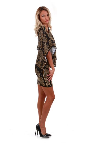 Дамска рокля с прилеп ръкав