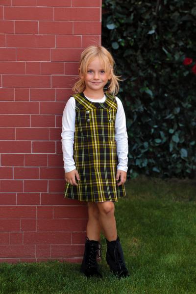 Карирана детска рокля