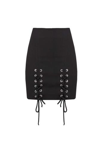 Дамска пола с капси